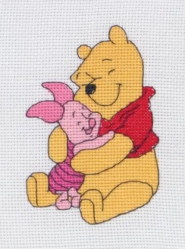 Pooh Hugging Piglet - DPPF024