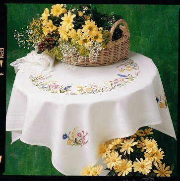 Anchor Embroidery Kit - Spring Garland Tablecloth